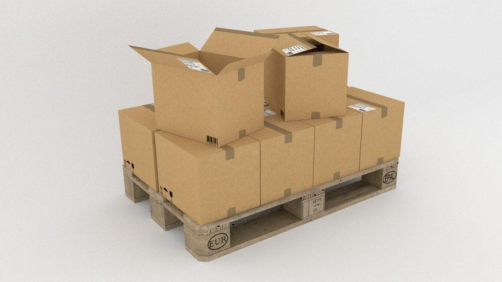 Kartons, Verpackungen auf einer Palette